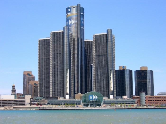 Headquarters_of_GM_in_Detroit