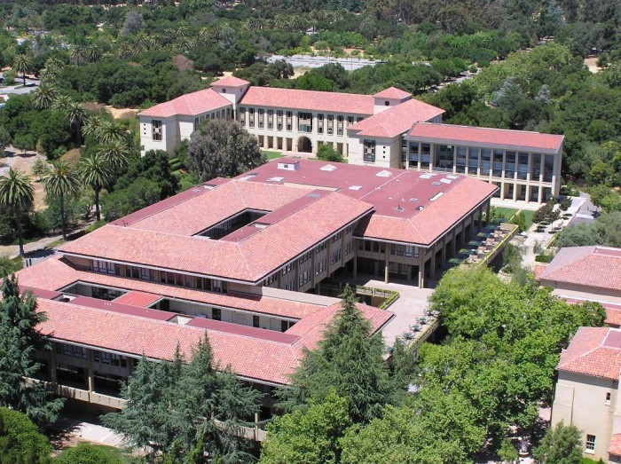 Stanford_University_Graduate_School_of_Business_(aerial_view,_26_06_2004)