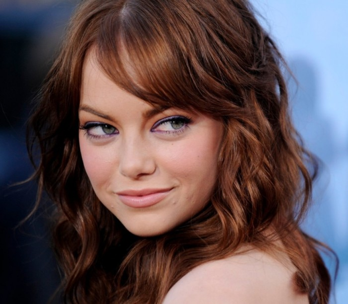 emma-stone-brown-mahogany-brunette-curls-loose-fringe