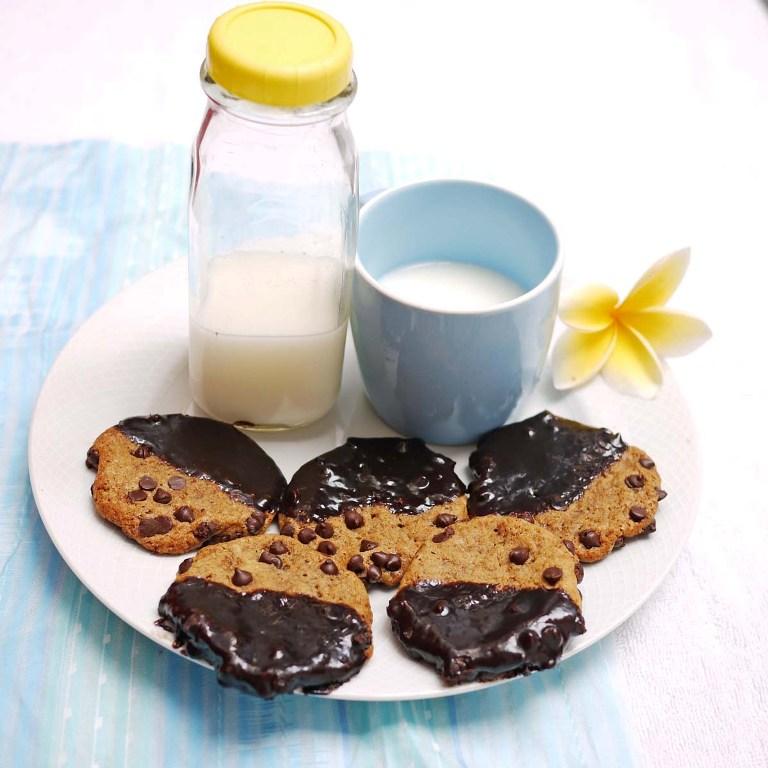 p1090109-chocolate-ganache-dipped-chocolate-chip-cookies-66