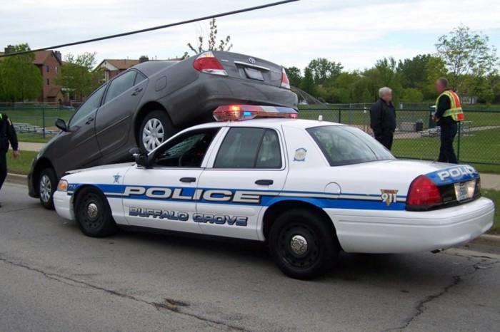 weird_car_accident_buffalo_2