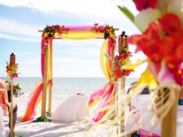 20-colorful-and-bright-beach-wedding-inspirational-ideas-1