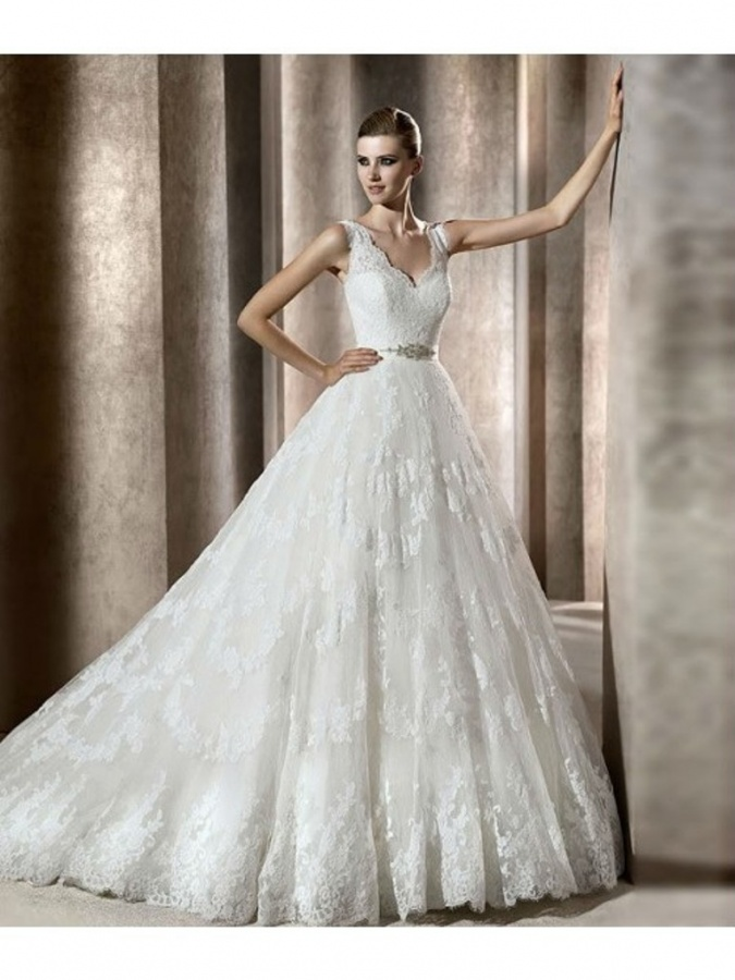 A-line Straps V-neck Lace Wedding Dress