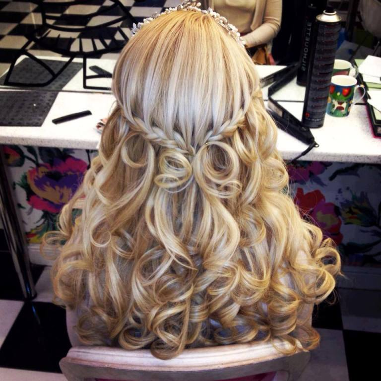 Curly-Hairstyles-2014-3