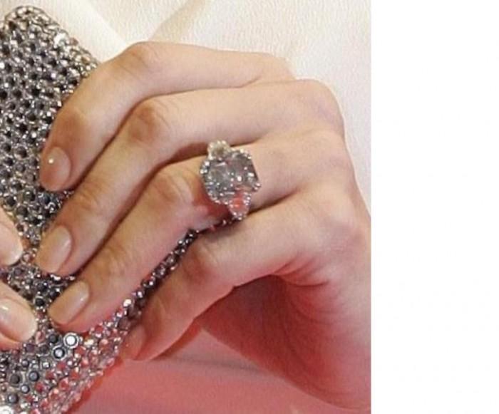 Jennifer Lopez's engagement ring