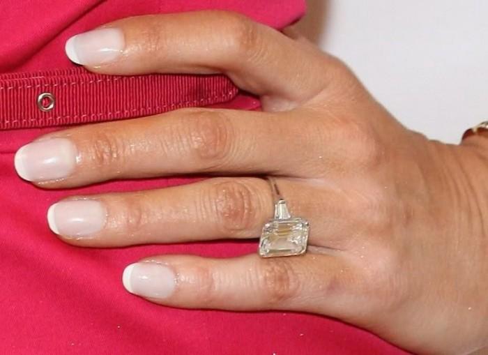 Melania Knauss's engagement ring .
