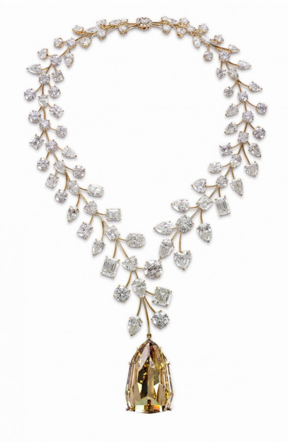 Mouawad-L'Incomparable-Diamond-Necklace-Guinness-World-Record