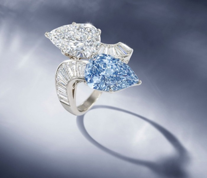 Rare-Bvlgari-Blue-Diamond-Ring