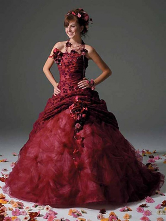 Special-Tulle-Petals-Red-Spring-Or-Summer-Wedding-Dresses