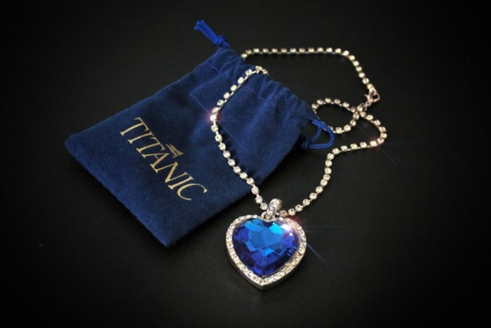 Top-10-Most-Expensive-Jewelry-Heart-of-the-Ocean-Diamond-20-million