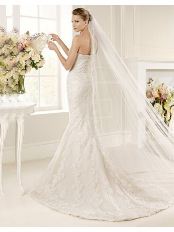 TrumpetMermaid Sweetheart Court Train Lace Wedding Dress