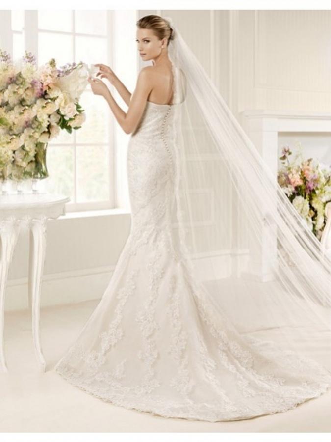 TrumpetMermaid Sweetheart Court Train Lace Wedding Dress