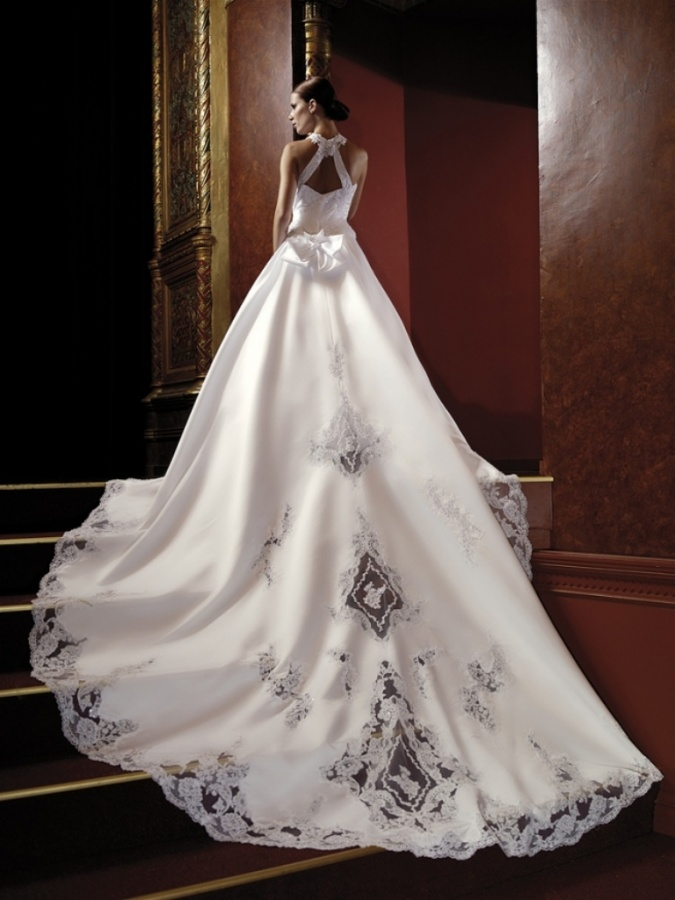 Unique-Wedding-Dresses-for-Unique-Personalities