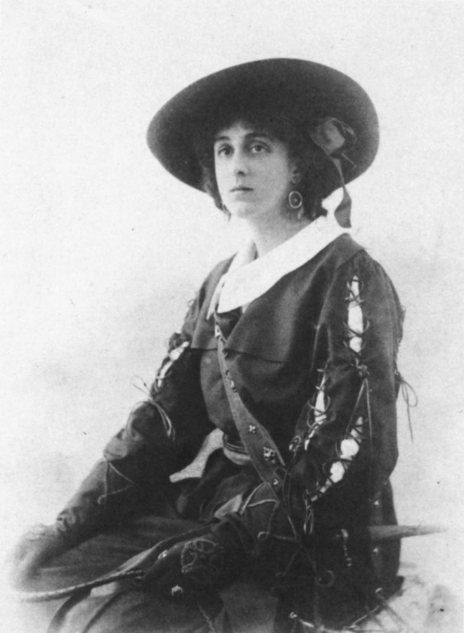 Vita Sackville_in_fancy_dress
