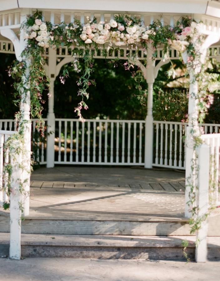 Wedding-Gazebo-With-Flower-Garland