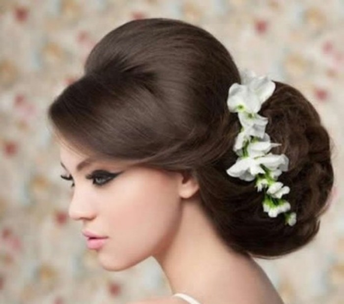 Wedding-hairstyles-with-fresh-flowers-2014-fall-05