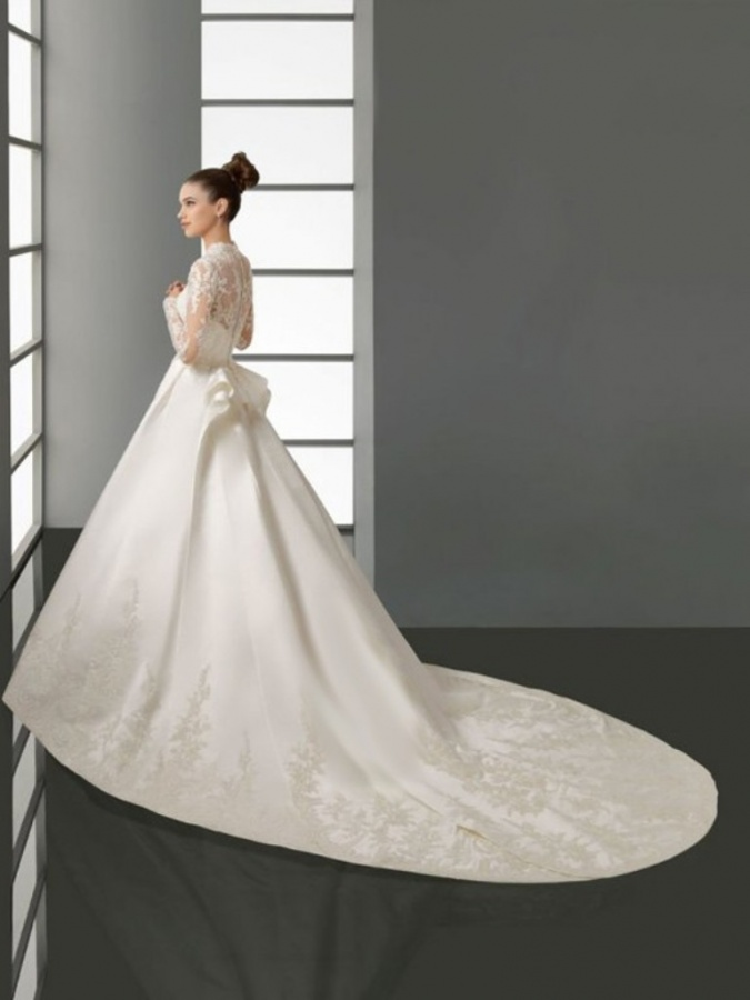 a-line_v-neck_lace_long_sleeves_chapel_train_satin_wedding_dresses-1