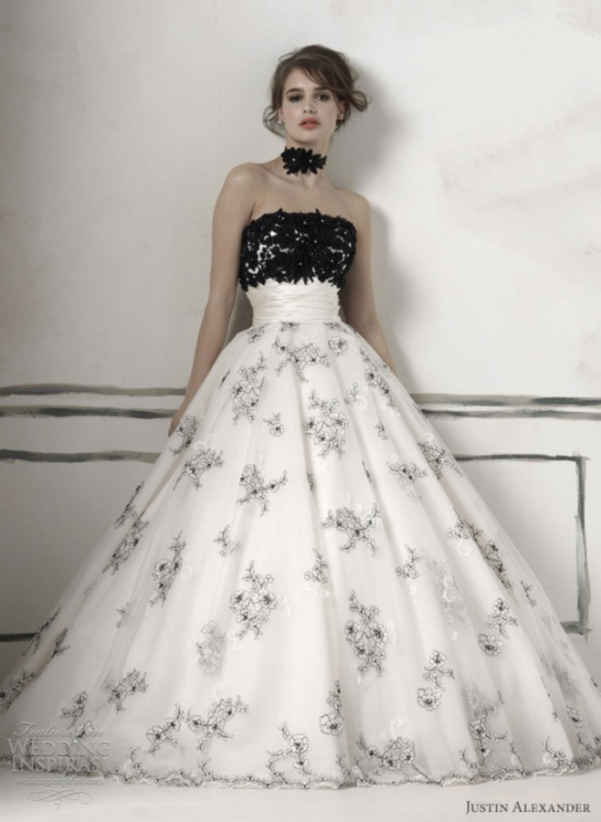 black-and-white-wedding-dress3