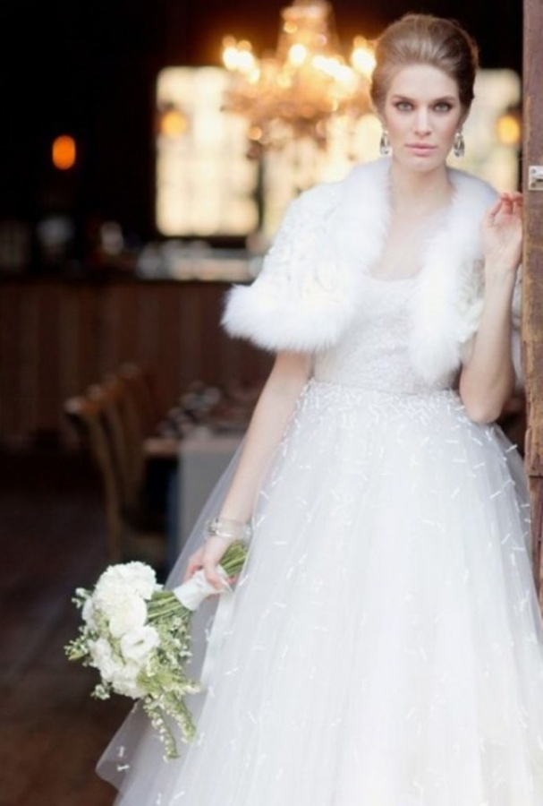 gorgeous-winter-wedding-dresses-37