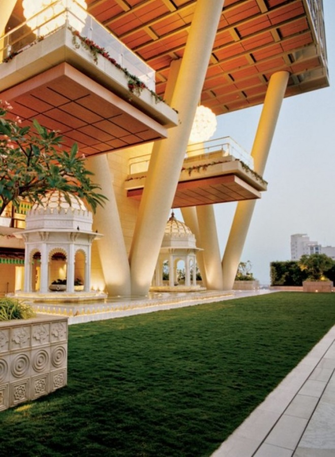 item2.rendition.slideshowWideVertical.ambani-residence-ss-02