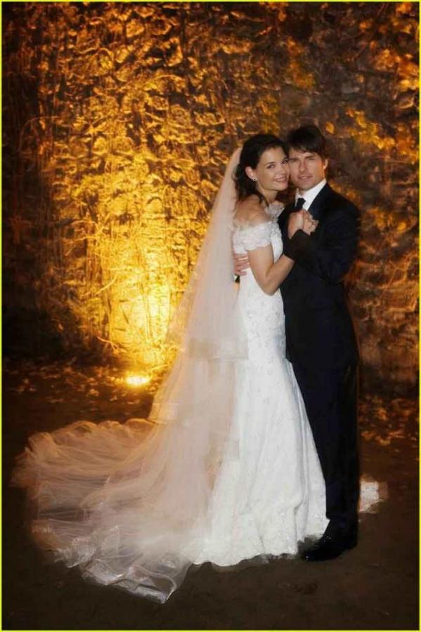 katie-holmes-wedding-dress