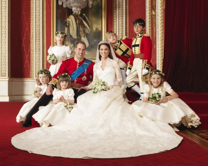 royal-wedding-dress-display