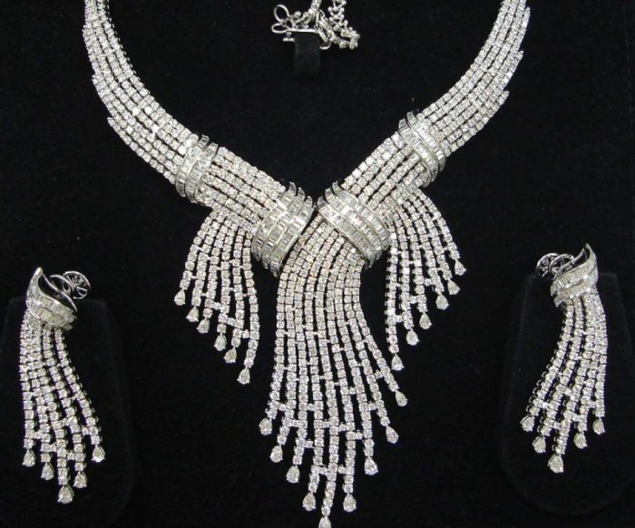 sale-news-and-shopping-details-latest-diamond-necklace-designs-5187