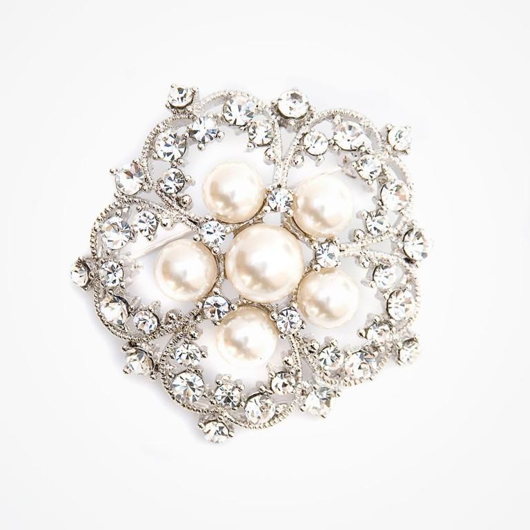 sparkling-crystal-brooch