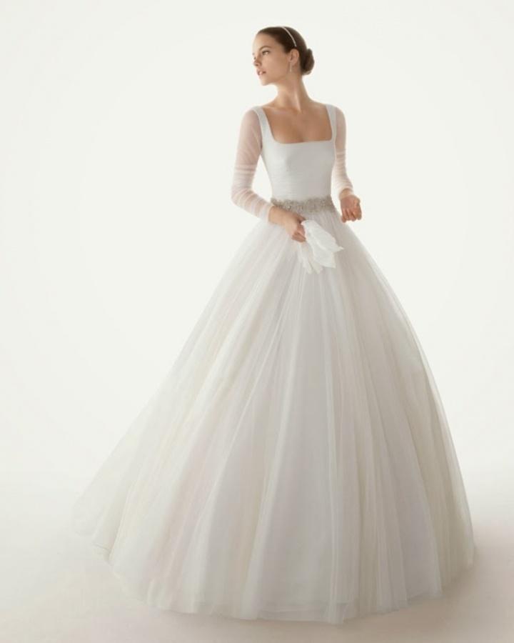 winter-wedding-dress-long-sleeves-rosa-clara-2012-belinda-135