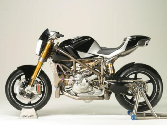 06- Ducati Testa Stretta NCR Macchia Nera Concept 02