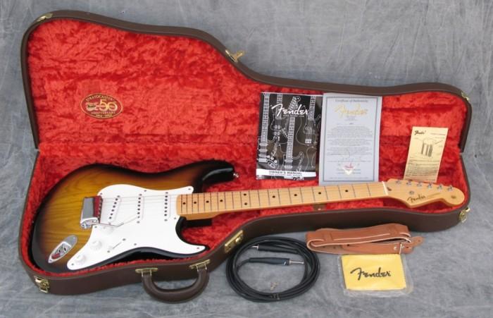 2004_Fender_Stratocaster_'54_Reissue_4621_case1