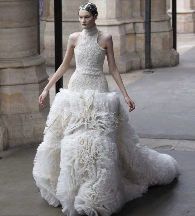 Sarah Burton Is One Of The Most Famous Wedding Dress Designers And Is The  Director Of Alexander McQueen. She Has Become Widely Known For Most Of The  Girls ...