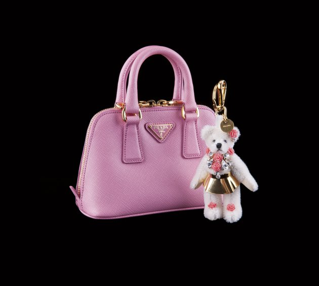 Prada-Gifts-2012-24-jpg_081836