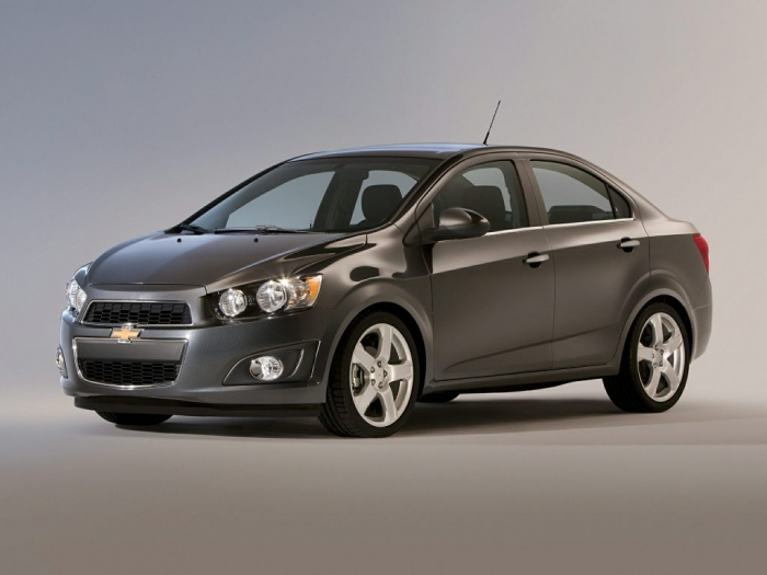 2014-Chevrolet-Sonic-Sedan-LS-Manual-4dr-Sedan-Exterior