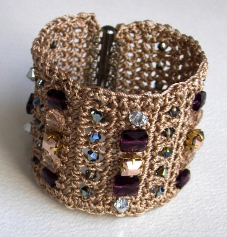2014-crochet-cuff