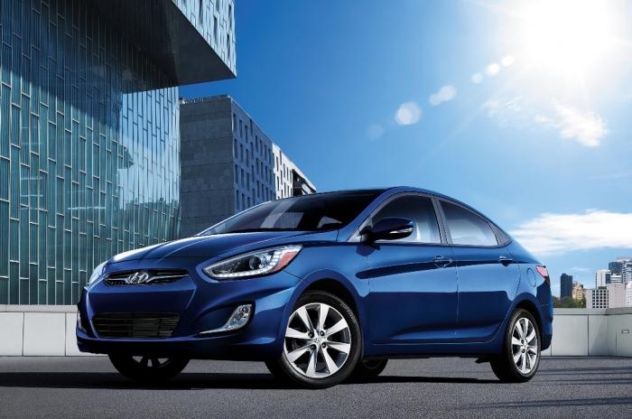 2014-hyundai-accent-sedan-front-angle
