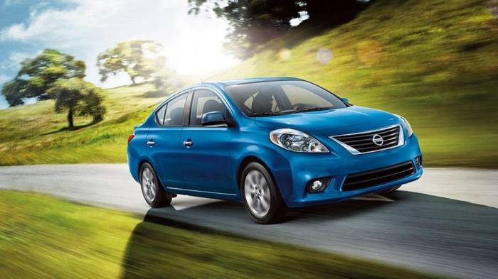 2014_Nissan_Versa_Sedan