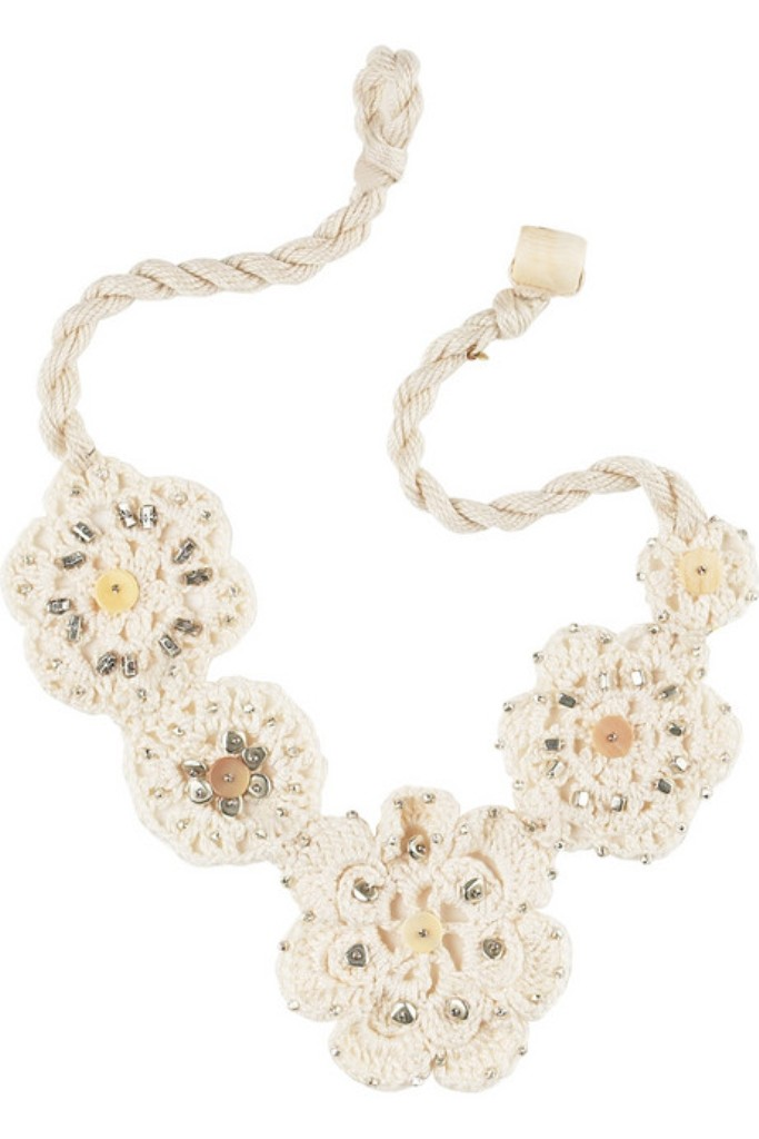 Lee-Angel-Crochet-flower-necklace