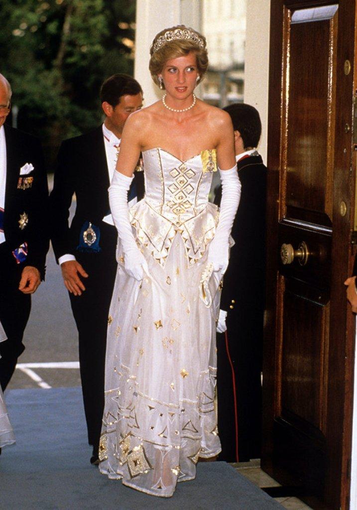 Princess-Diana-Emanuel-dress-1986-July
