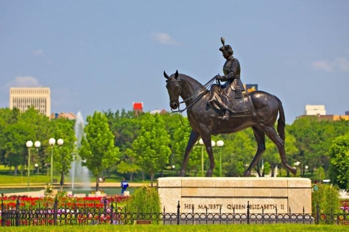 Regina queen-elizabeth-ii-gardens-city-of-regina-saskatchewan-canada-485