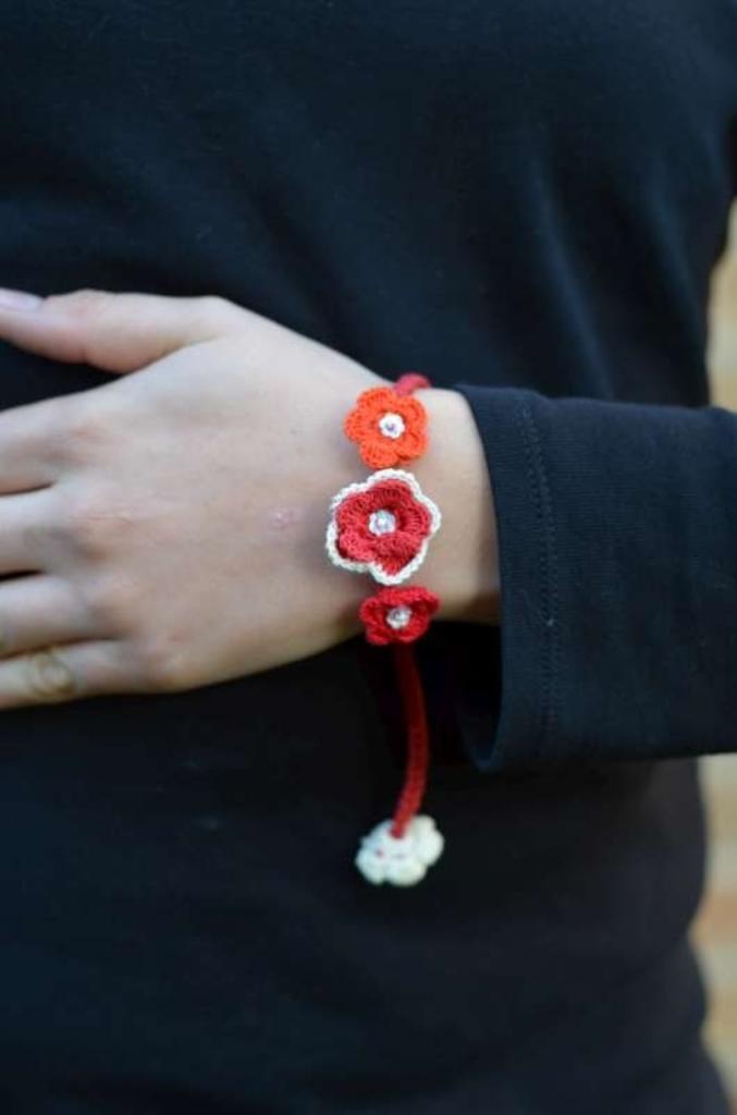 Rhianna-Petite-Crochet-Flower-Bracelet57