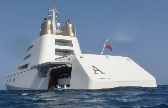 Super-Yacht-A-Puerto-Banus