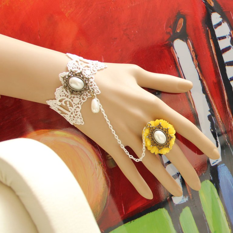 Vintage-lace-pearl-flower-bracelet-wristband-female-accessories-fashion-royal-fashion-jewelry