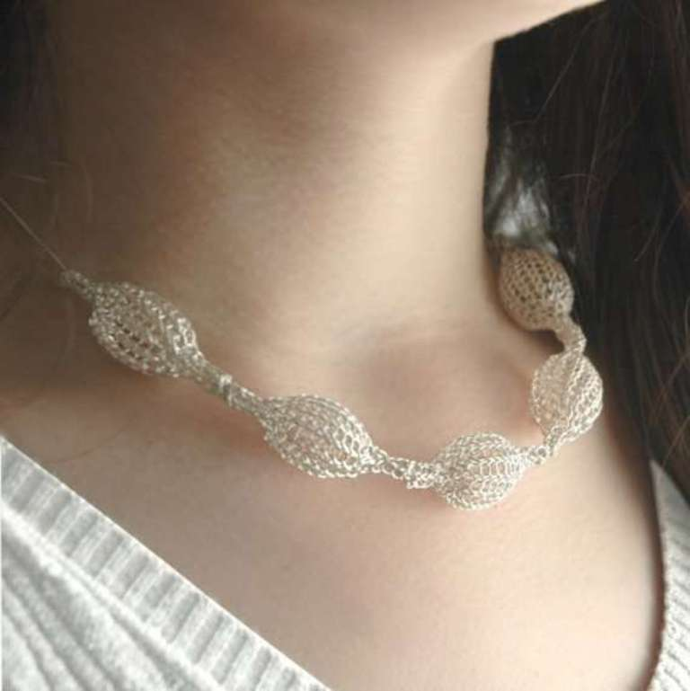 crochet-wire-bride-necklace