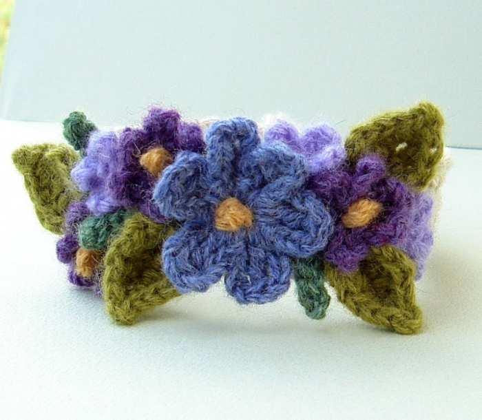 crochet_purple_flower_bracelet_by_meekssandygirl-d3le8j6
