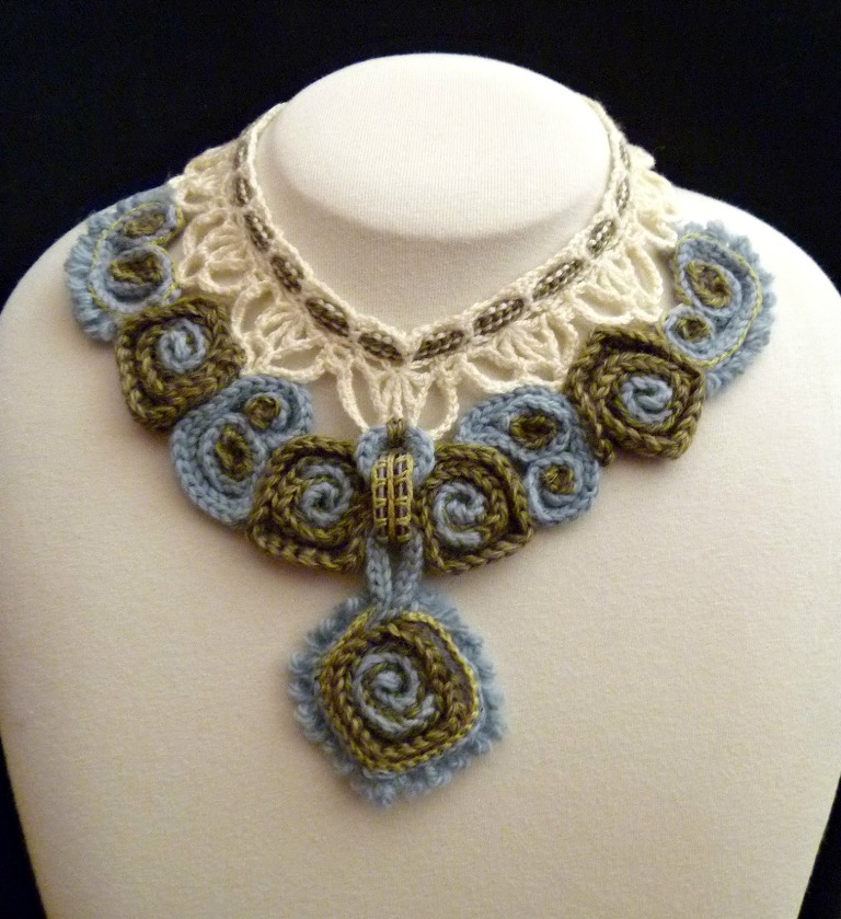 green-and-blue-color-crochet-necklace