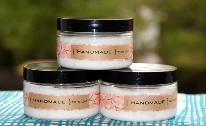 homemade-foaming-salt-scrub-recipe-packaged