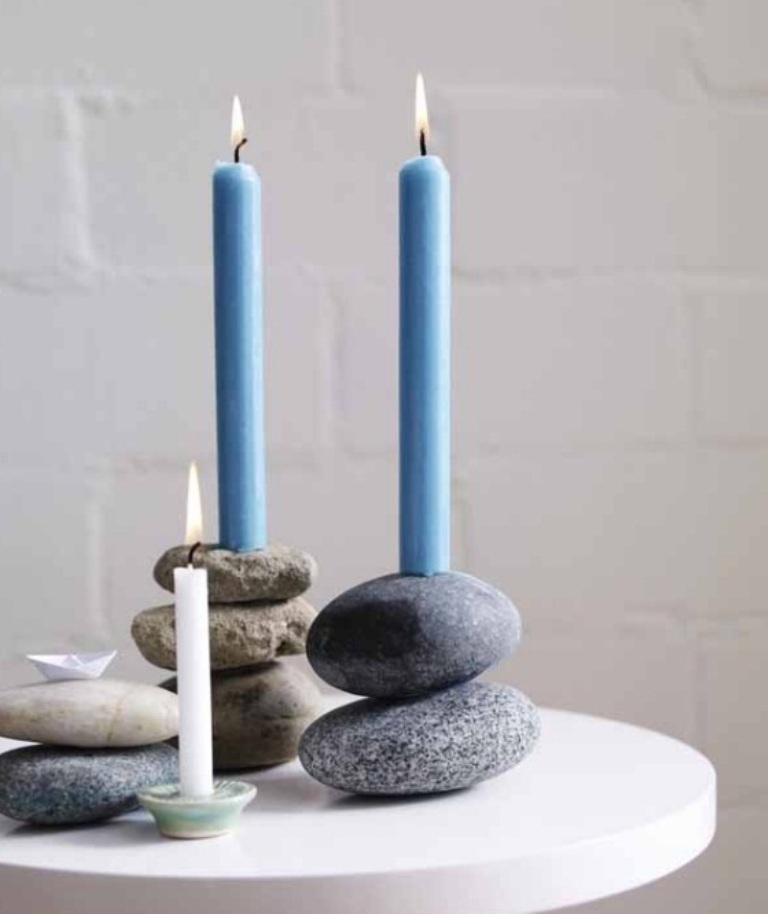 homemade-mothers-day-gift-ideas-flat-river-stones-candle-sticks