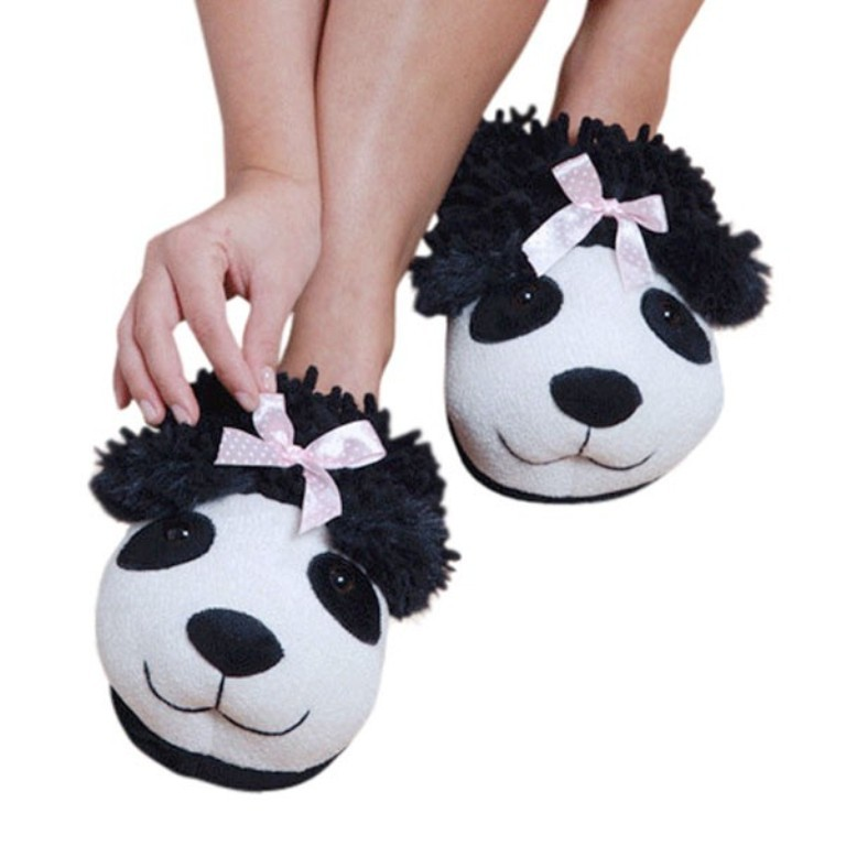 mothers-day-gift-ideas-fuzzy-friends-slippers-panda