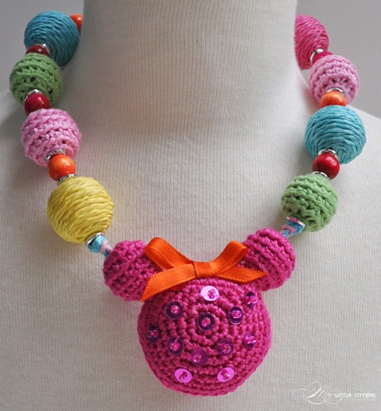 nice-colourful-round-shape-crochet-necklace